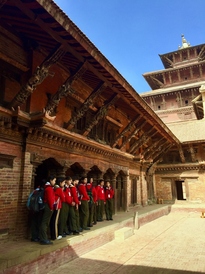 kids-at-patan-palace