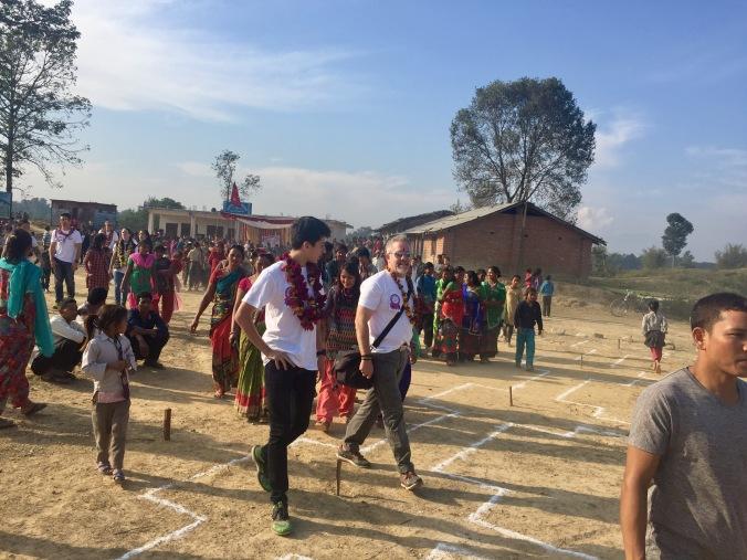 walking-to-school-site